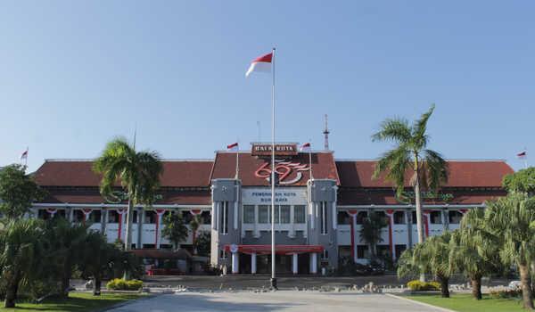 Cegah klaster baru, Pemkot Surabaya batasi jam operasional