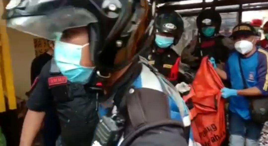 Kebakaran jl.Girilaya Surabaya melahap satu rumah dan satu korban