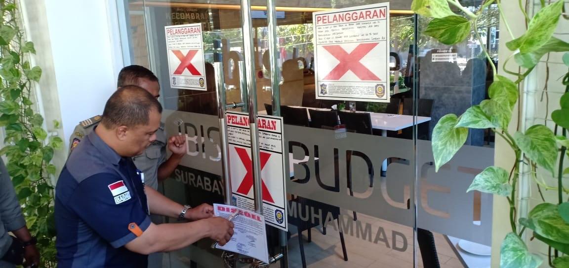 Satpol PP Surabaya Segel Hotel di Kawasan HR Muhammad