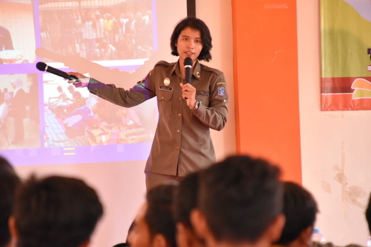 Antusias Pelajar saat Satpol PP Surabaya Goes to School