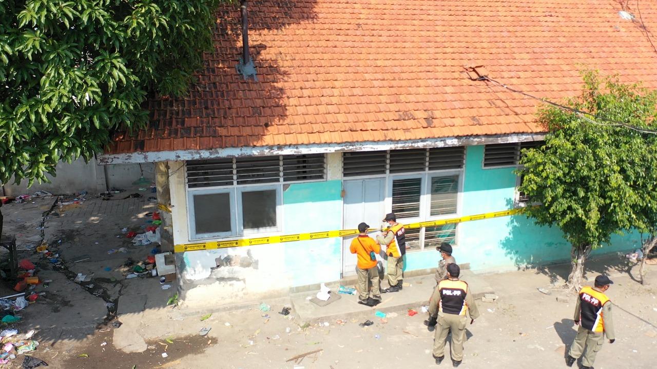 Amankan Aset Daerah, Satpol PP Surabaya Kosongkan Bangunan