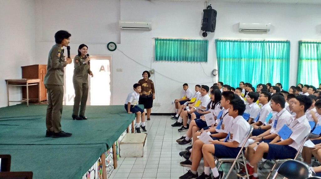 Pertama Masuk Sekolah, Satpol PP Goes to School Kenalkan Perda di Kalangan Pelajar